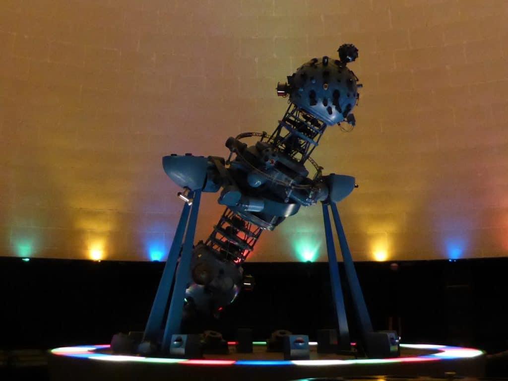 Projektor eines Planetariums wie in Jena